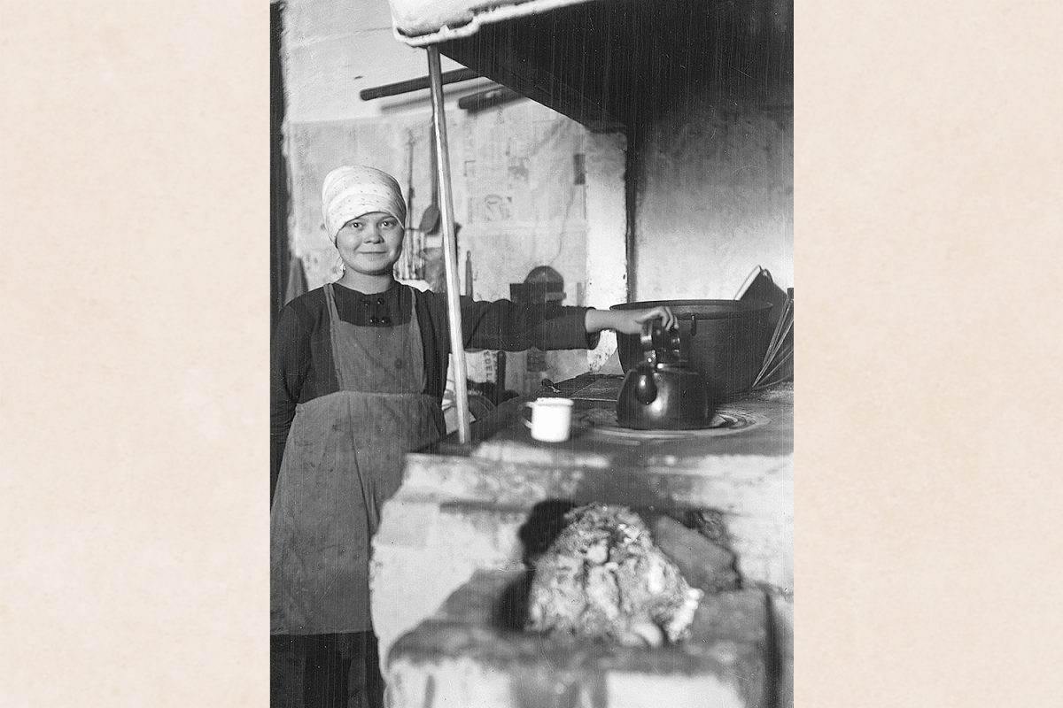 Coffee cook in Kuopio, 1925-1935. Photo: Betty Väänänen / KUHMU