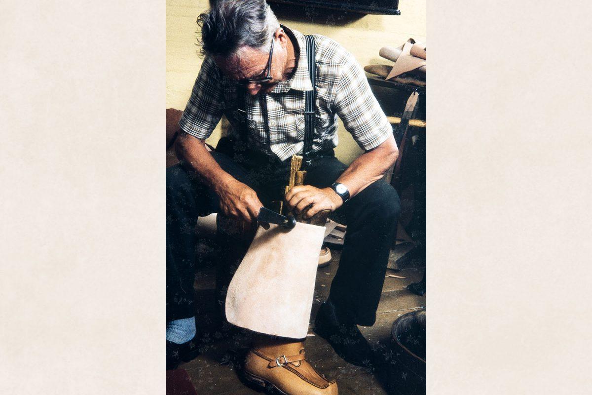 Доводка с помощью молотка, 1982 г. Снимок: Кари Ямсен / КУХМУ